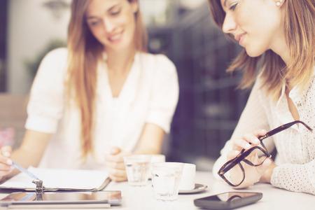 Travailler seule : les solutions